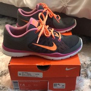 Nike Flex Trainer- 7.5W - Gently Worn
